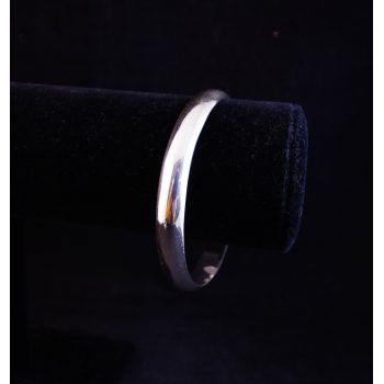 """Mexican solid silver bangle. Measures 2.5"""" diameter"""