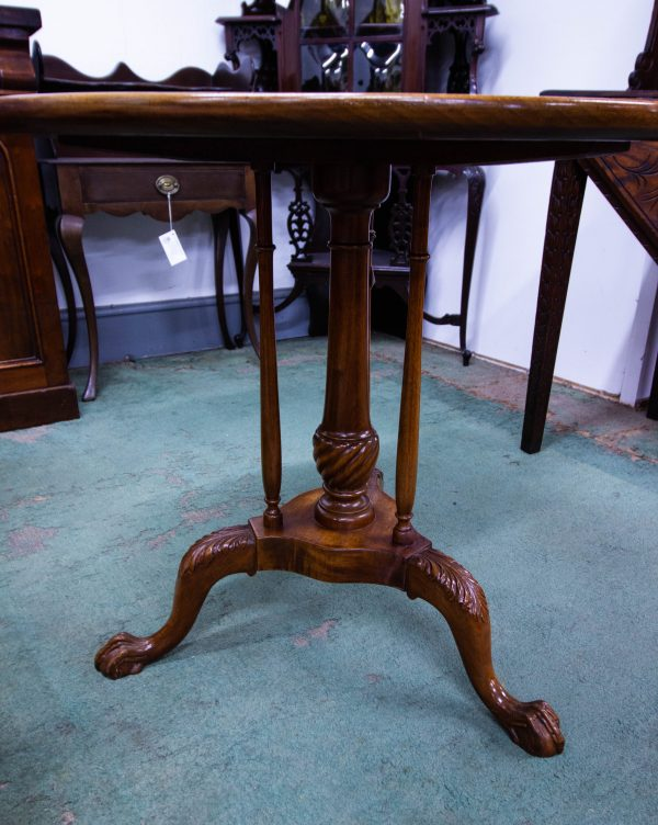 """Round mahogany dish top occasional table. Measures 29""""W x 26""""H"""
