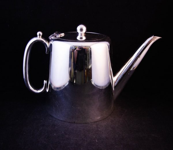 """Hotelware silver plated tea pot. Measures 9.5""""L x 4.5""""W x 6""""H, holds 1.5 pints. Price includes nationwide delivery"""